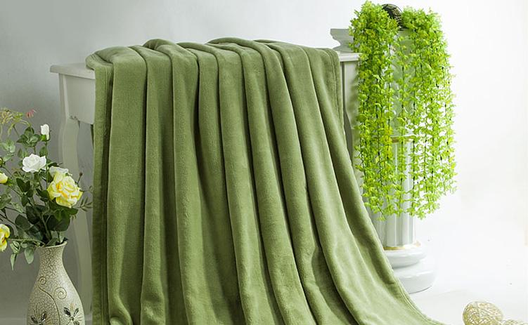 军绿色定制毛毯——有情怀的