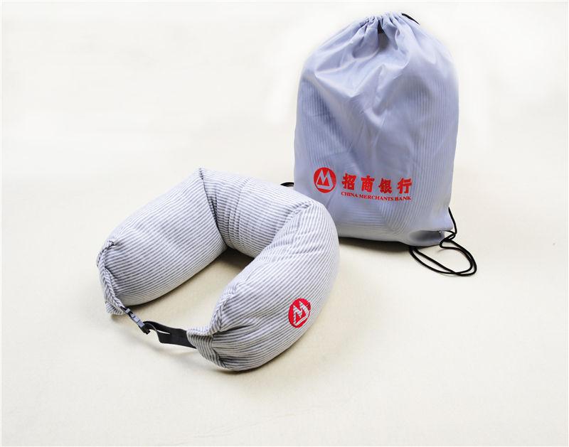 千亿国际,千赢娱乐_客户回馈礼品的要点!看千亿国际,千赢娱乐为招行定制便携旅行枕!